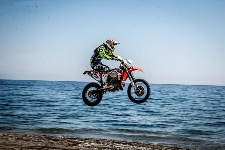 Beach Race Jump - 6th gear flatout